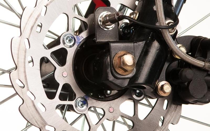Передний дисковый тормоз
