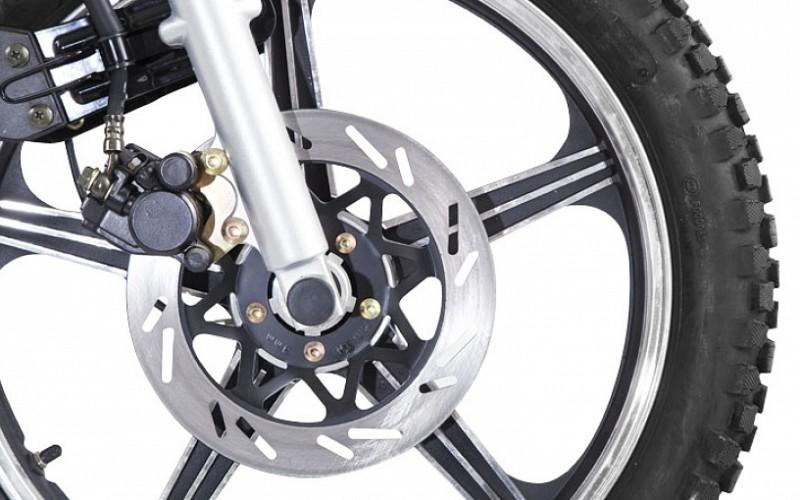 Дисковый тормоз переднего колеса