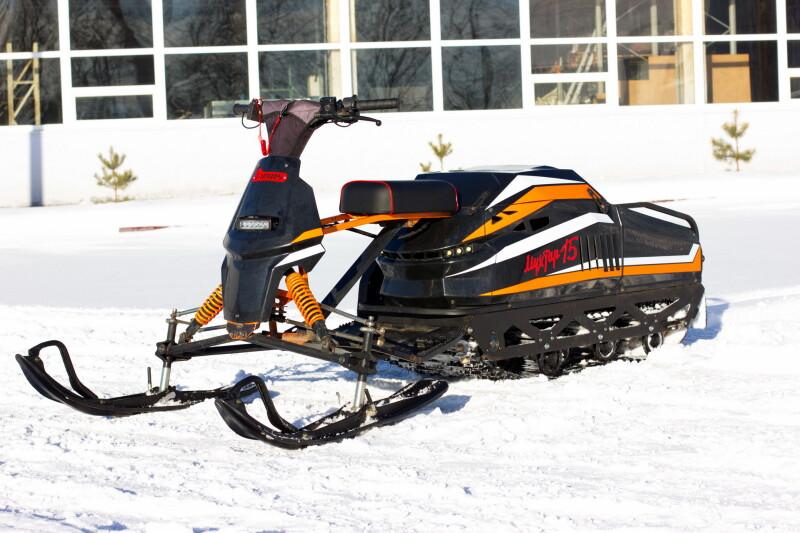 Мотобуксировщик Мухтар 15 с лыжным модулем УЛМ-2