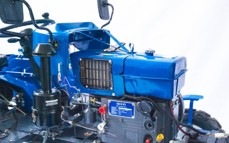minitraktor-skaut-t-18-s-pochvofrezoj_2